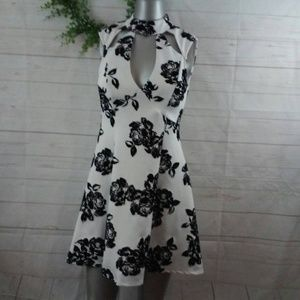 Black & White Cut Out Floral Skater Dress Med